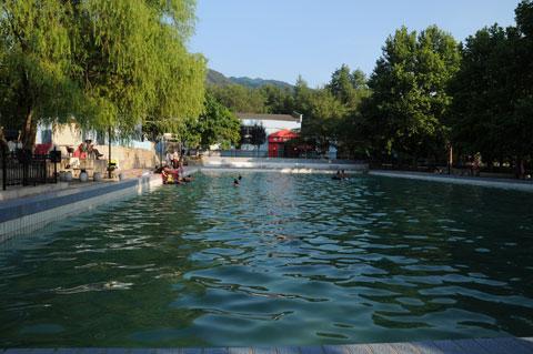 校园风景之 游泳池