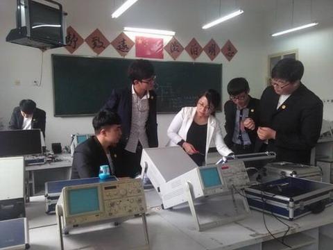模拟电路实验室简介_实验实训室简介