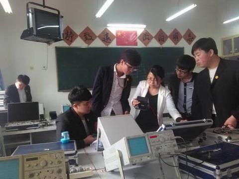 模拟电路实验室简介